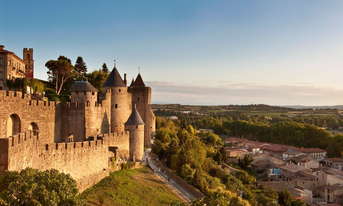 the 10 best tourist attractions in france you absolutely must not miss trip historic. Black Bedroom Furniture Sets. Home Design Ideas